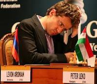 Levon Aronian en su partida contra Leko en el Memorial Karen Asrian de ajedrez