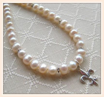 Fleur de Lis Pearls