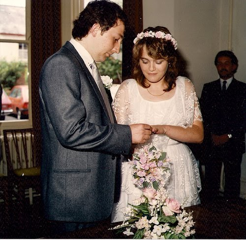 It's my 25th wedding anniversary today Of course I was a child bride