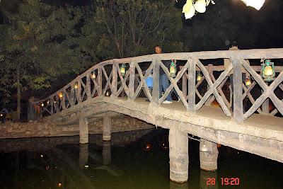 Chokhi Dhaani in Jaipur - The bridge over the stream