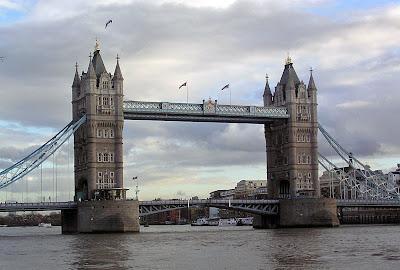 A photo of London Bridge in a beautiful setting