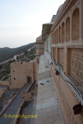 The outer edge of the walls in the Amber Fort in Jaipur