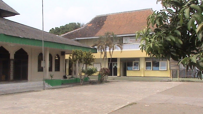 Sekolahku Nan Asri