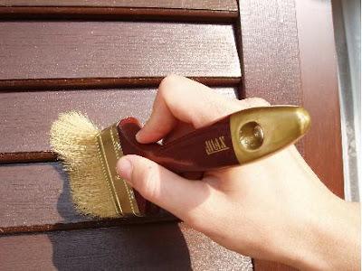 Barnizar puertas y ventanas de madera - Como limpiar puertas de madera ...