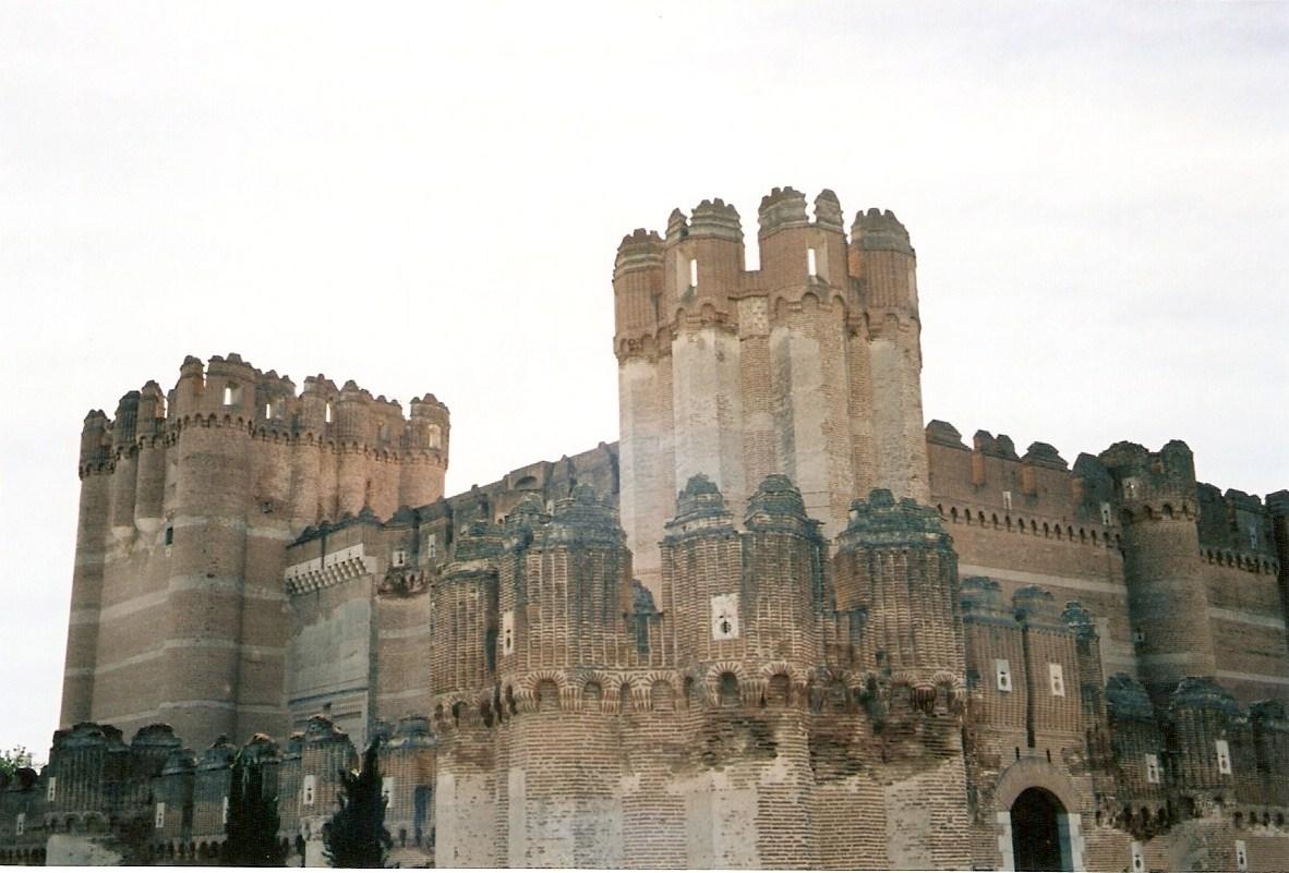 Castillos espa oles castillo de coca segovia - Casa de la paca coca segovia ...
