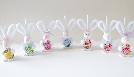 A few of my favorite things 25 more awesome ideas for easter freebies easter bunny suckers from the mother huddle negle Gallery