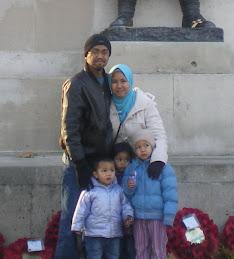 Penulis bersama keluarga