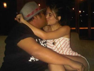 Leylarey Lesesne kissing but not bugil or terlanjang