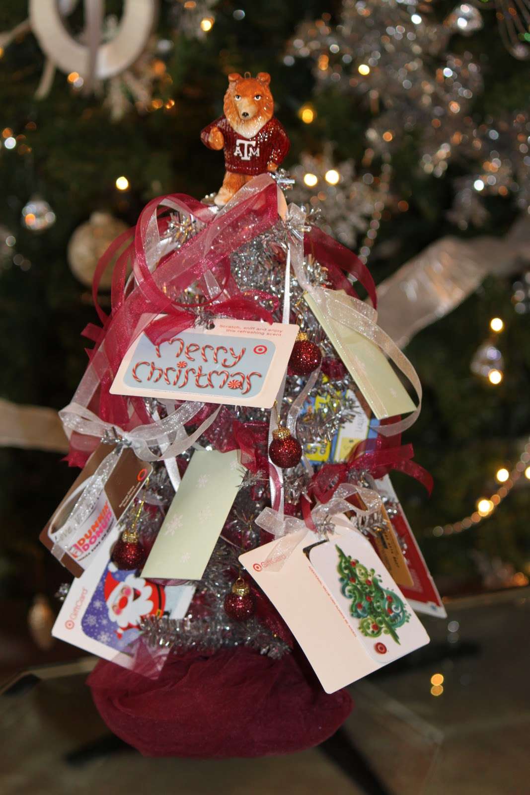 The blackberry vine gift card christmas tree