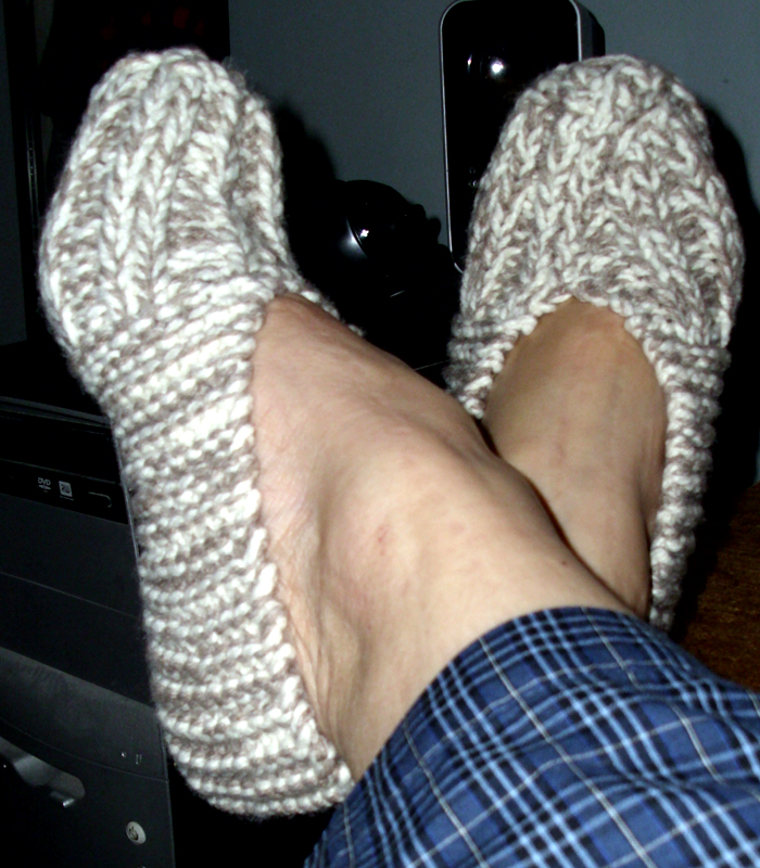 Slipper Socks Knitting Pattern Easy : Free quick slipper pattern