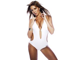 http://4.bp.blogspot.com/_OitPVueOrz8/SZfYQgAwF3I/AAAAAAAABls/2IAp2UUgBTo/s1600-h/danielle+lloyd+in+bikini-1600x1200-004.jpg