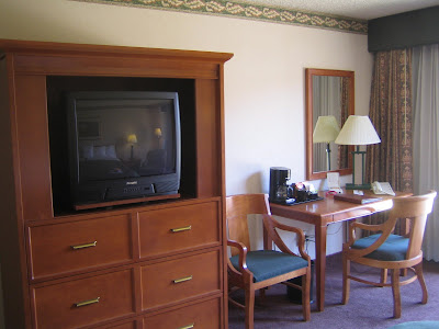 Sheraton Salt Lake City - room 122 work desk and tv