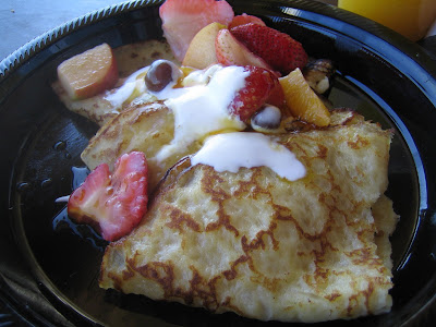 La Grande Orange - Mia's French pancakes w/ honey, fruit, and creme fraiche