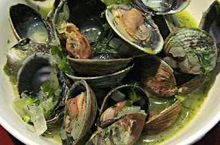 Clams with Onion and Dill