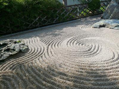 Jardin japonais zen for Decoration zen jardin