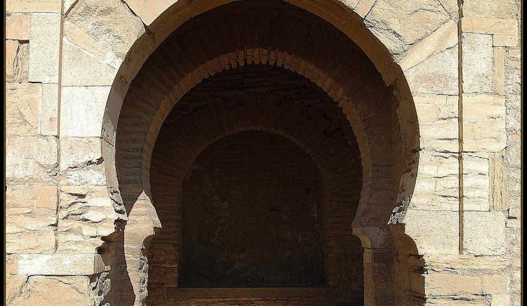 El ltimo reino la puerta del arrabal for Puerta 4 del jockey