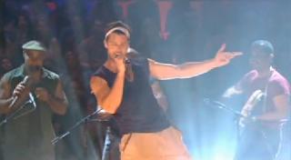 Ricky Martin - Pégate - Video y Letra
