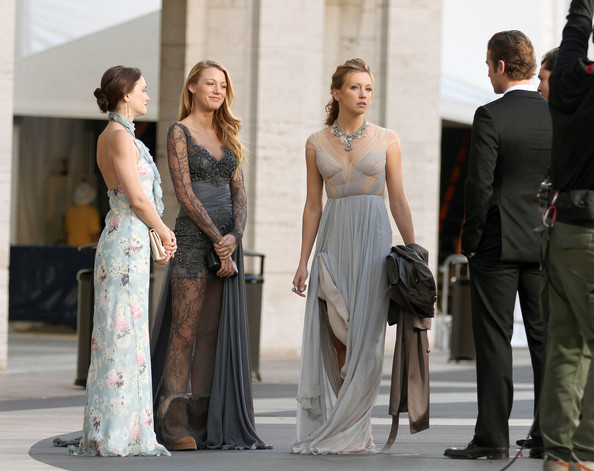 Love that Blake Lively is wearing UGGS with her fancy gown.