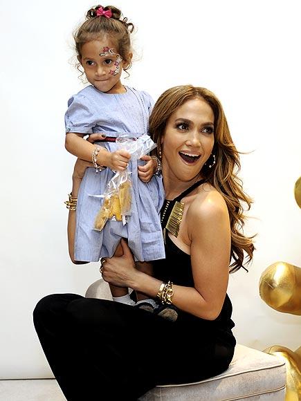 hot jennifer lopez fakes. Jennifer Lopez brings her