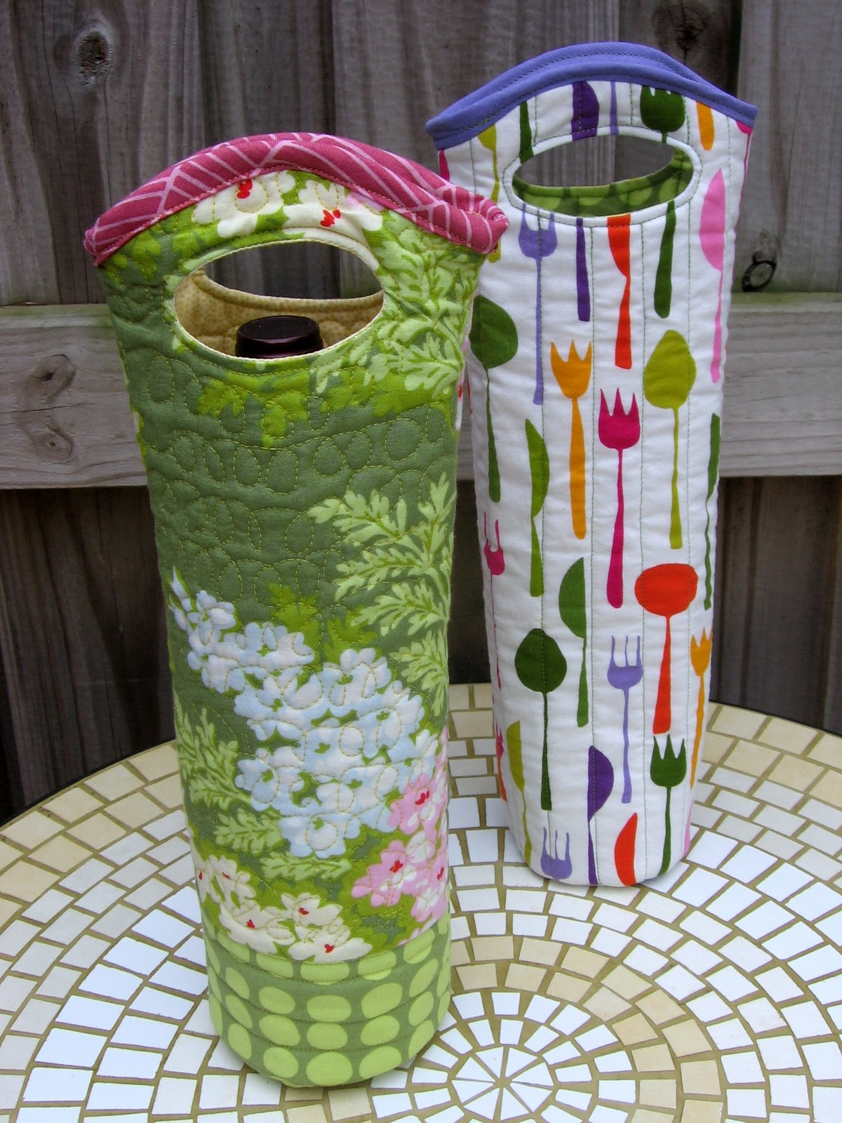 Small Quilted Gift Ideas To Make : Needle and Spatula: Quilted Wine Tote Sewing Tutorial