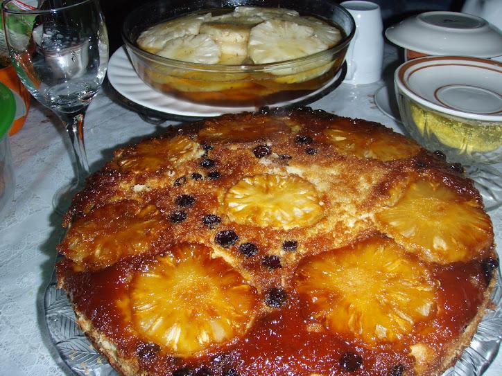 QUITUTES DA NECA> Hoje no nosso café, um Bolo de Abacaxi com canela e mel.....