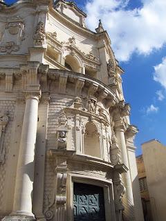 una delle tante chiese barocche di lecce