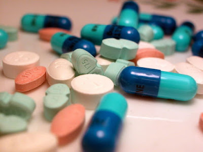 Uso sem controle de antibióticos ameaça a saúde da população - Por Thais Ribeiro / S. Paulo