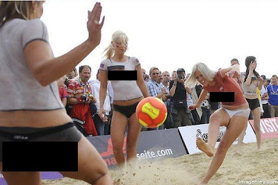 bola sepak pantai perempuan