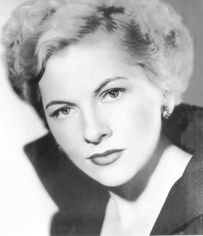 Joan Fontaine - Wallpaper Actress