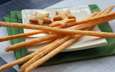 Cheese+Straws+%26+Stars+2 Homemade Cheezies
