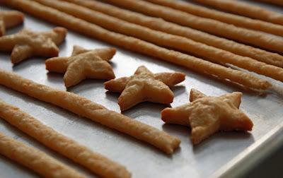 Cheese+straws+%26+stars+on+sheet Homemade Cheezies