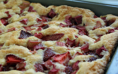 Strawberry rhubarb+Cobbler+Cake Strawberry Rhubarb Cobbler Cake