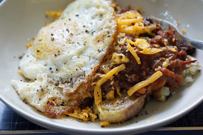 Chili+fried+egg Biscuits for a (Big) Crowd and Chili with a Fried Egg