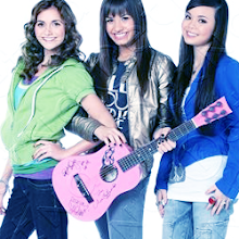 CAMP ROCK girls !
