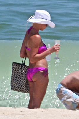 Katherine+Heigl+Candid+Bikini+Pictures+from+her+Mexican+Vacation+blogywoodbabes.blogspot.com+gallery enlarged 0616 katherine heigl bikini 09 Katherine Heigl Candid Bikini Pictures from her Mexican Vacation with Cameltoe