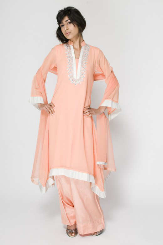 Long+Kameez+With+Trouser+For+2011+%252811%2529 New Fashion Trend