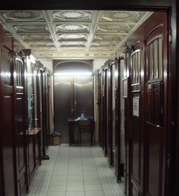 Paris-bise-art : Toilettes royales - Métro Palais Royal