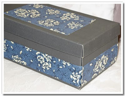 Fixad blå kartong