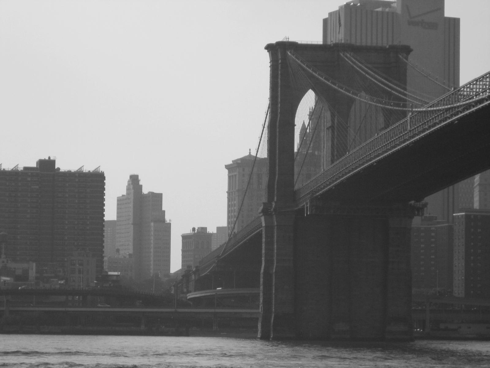 http://4.bp.blogspot.com/_OvVrJ6j3yC8/TCt4EXiJMTI/AAAAAAAAAKY/gYjIa7U1eFA/s1600/New+York+City+06-10+218.jpg