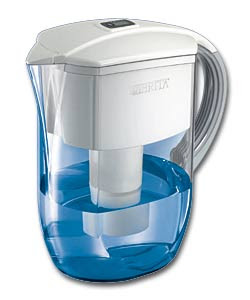 Whether you live on your own or with your family, you'll find that there are plenty of reasons to be very interested in the Brita water filter.