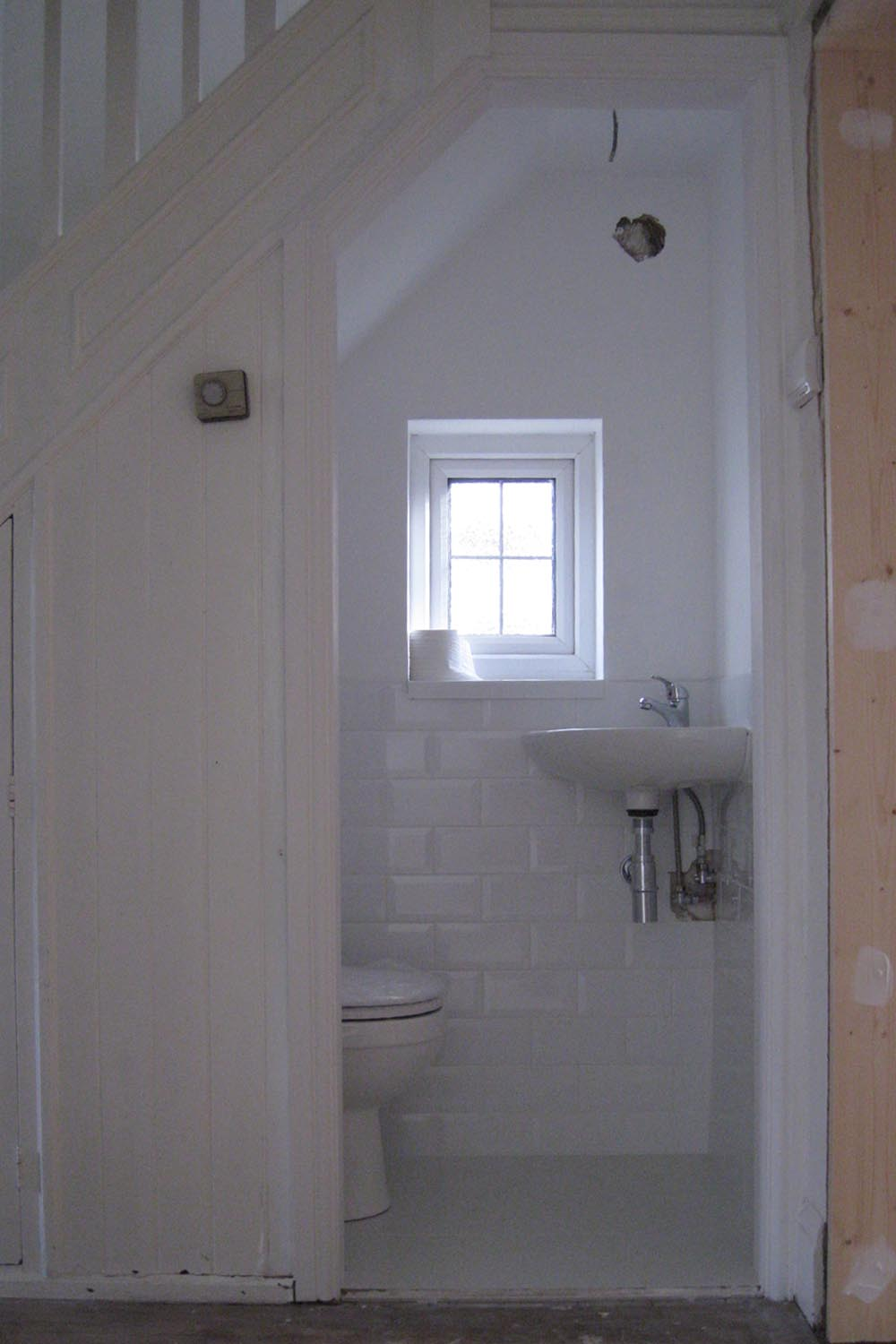58 st barnabas for Bathroom design under stairs