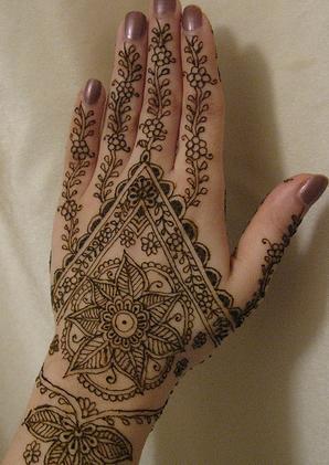 Henna Tattoos supplies Find the Henna August 23rd, 2010 by Rizwan Rana