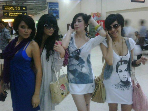 gadis seksi and model indonesia playboy indonesia artist
