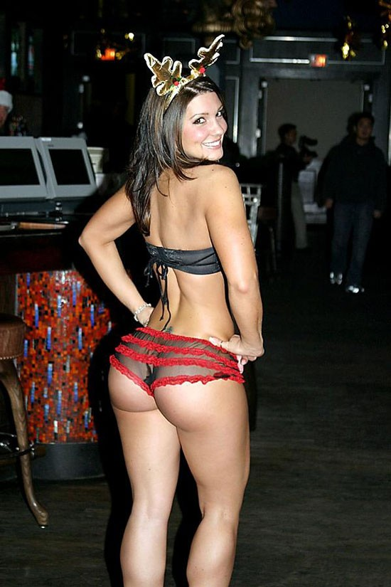 Strikeforce MMA  Gina-Carano-Ass-Christmas