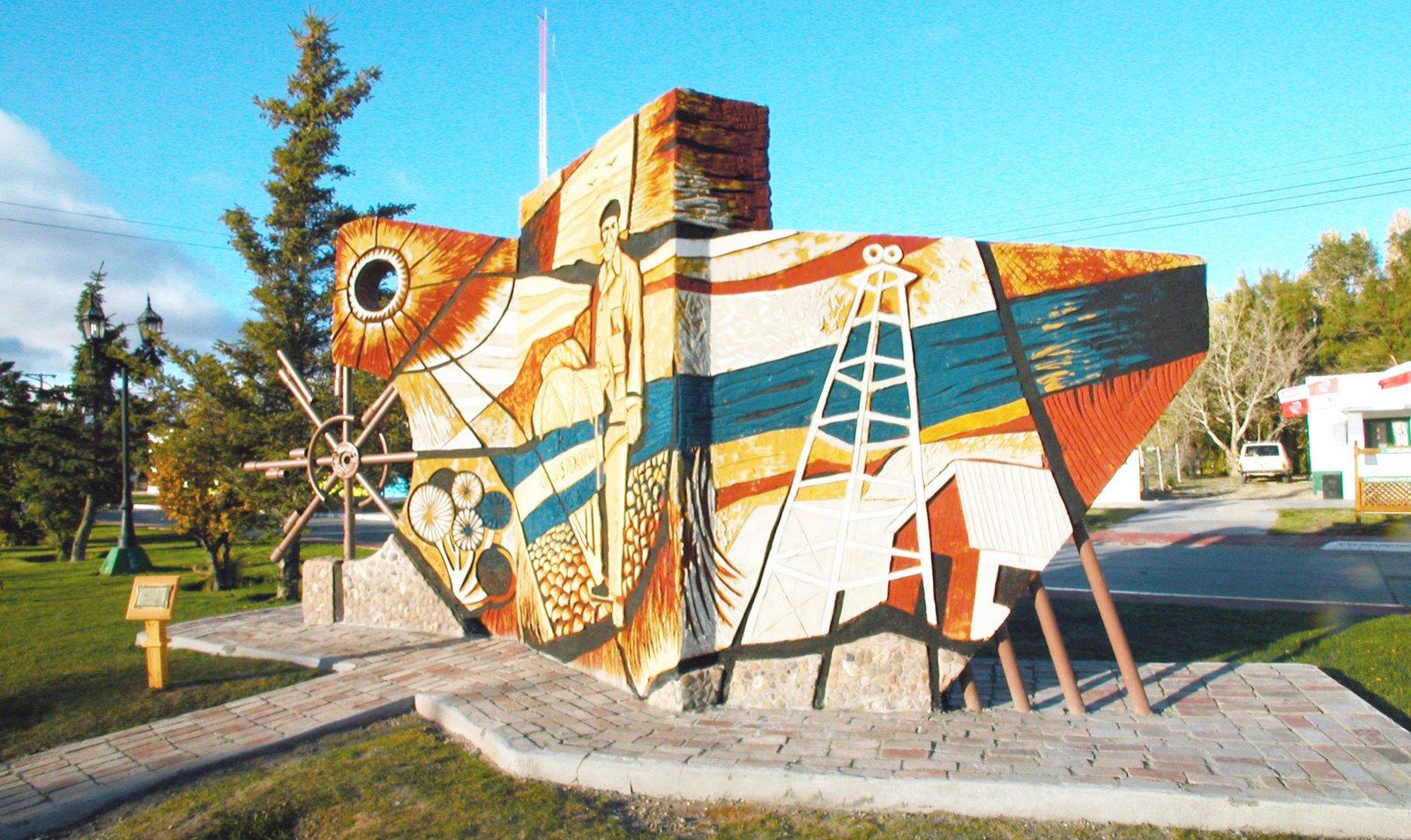 Mural monumento en Piedra Buena