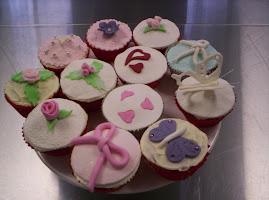 Baking cupcake class