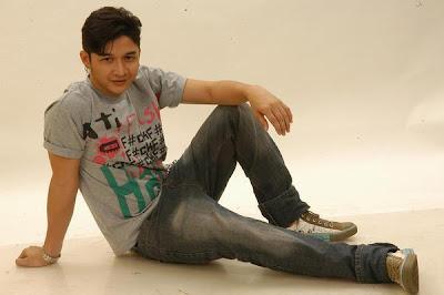 Foto Cowok Ganteng Pasha Ungu Penyanyi Indonesia