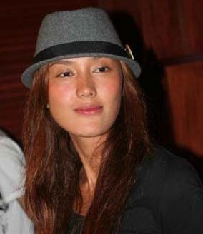 fahrani empel piala citra aktris terbaik ffi 2008 cewek