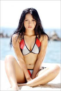 cewek cantik bikini