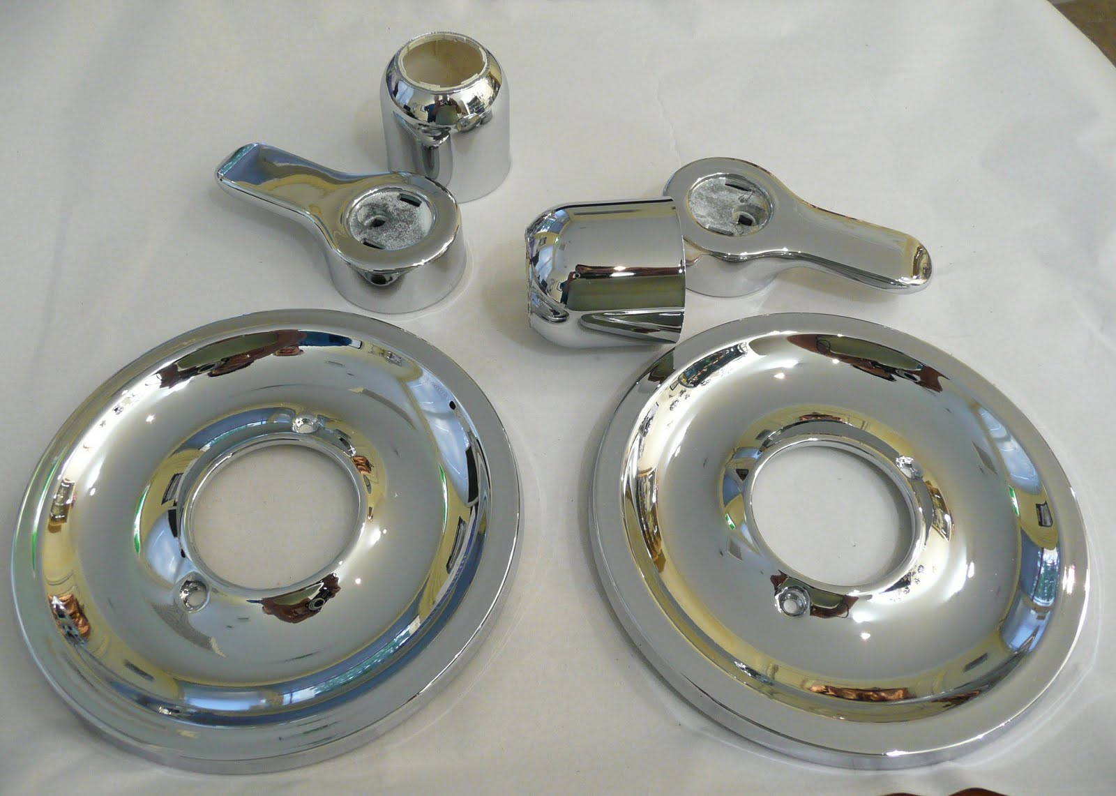 re chroming spa nozzles and shower taps. Black Bedroom Furniture Sets. Home Design Ideas